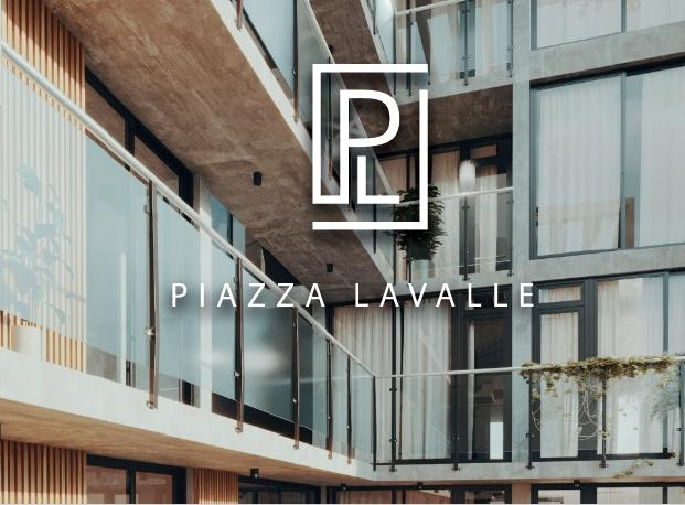 - PIAZZA LAVALLE -